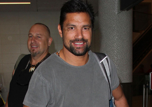 """Arrow"" actor Manu Bennett boarded a flight from L.A. to Miami."