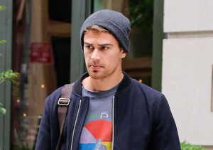 """""""Divergent"""" actor Theo James looks good even when he's doing nothing at all in…"""