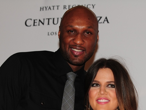 Extra Scoop: Khloé Kardashian Can't Find Lamar Odom to Finalize Divorce