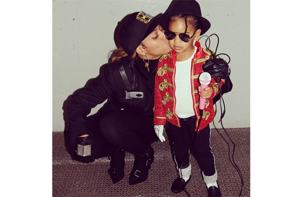 Pic! Beyoncé and Blue Ivy Dress as Janet Jackson and MJ for Halloween