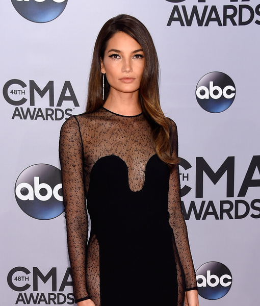CMA Awards! Model Goes Commando, Carrie Underwood Announces Baby News, and More