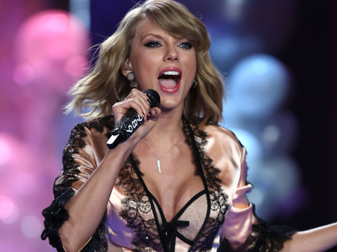 Revealed! Taylor Swift's High School BF Who Dumped Her