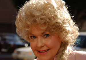 'Beverly Hillbillies' Star Donna Douglas Dead at 81