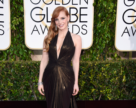 Jessica Chastain Takes the Plunge in Dangerously Low-Cut Gown