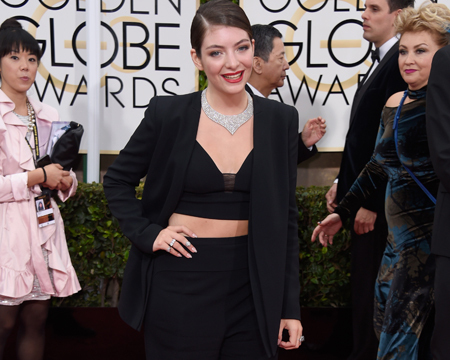 Lorde Rocks the Globes Red Carpet in a Midriff-Baring Ensemble