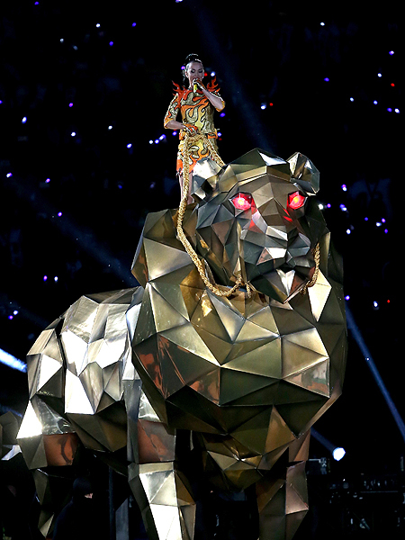 Super Bowl Halftime Show 2015: Katy Perry Rides in on a Golden Lion and More!