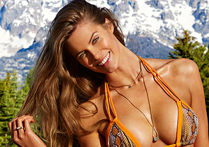 Sports Illustrated Model Labeled 'Plus Size' Is Creating Controversy