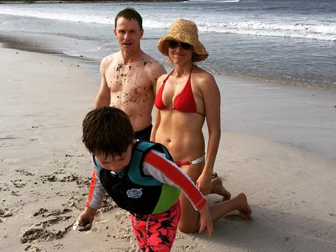 Jewel Reunites with Ex-Husband for Bikini Beach Snap