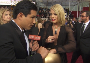 Margot Robbie's Best Pickup Line, and More '50 Shades' of Oscars Mystery Bowl…