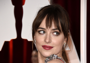 'Fifty Shades' of Red Hot! Dakota Johnson's Wow-Worthy Oscars Look