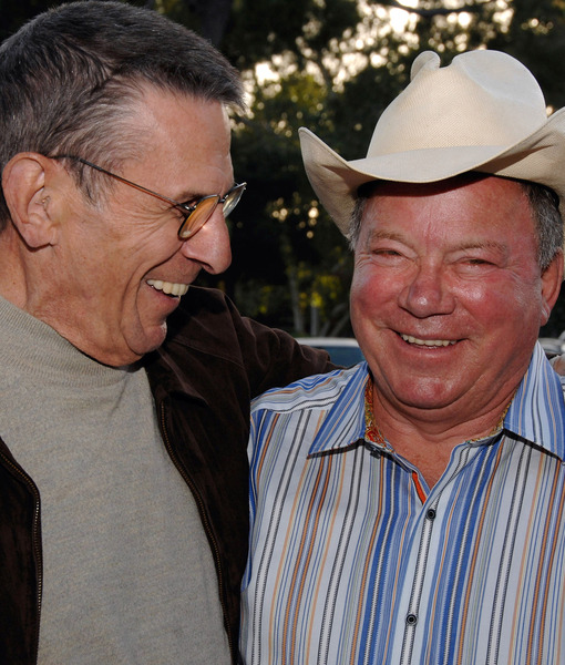 William Shatner Still Tweeting About Missing Leonard Nimoy's Funeral