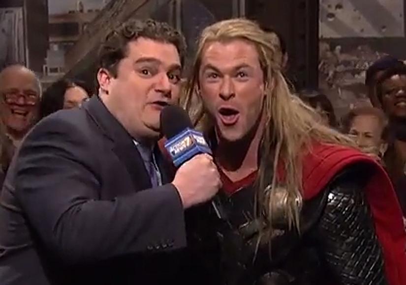'SNL' Recap: Chris Hemsworth, Chickens and 'The Avengers'