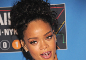 Extra Scoop: What the Fashion? Rihanna Wears Silver Dress… and Slippers