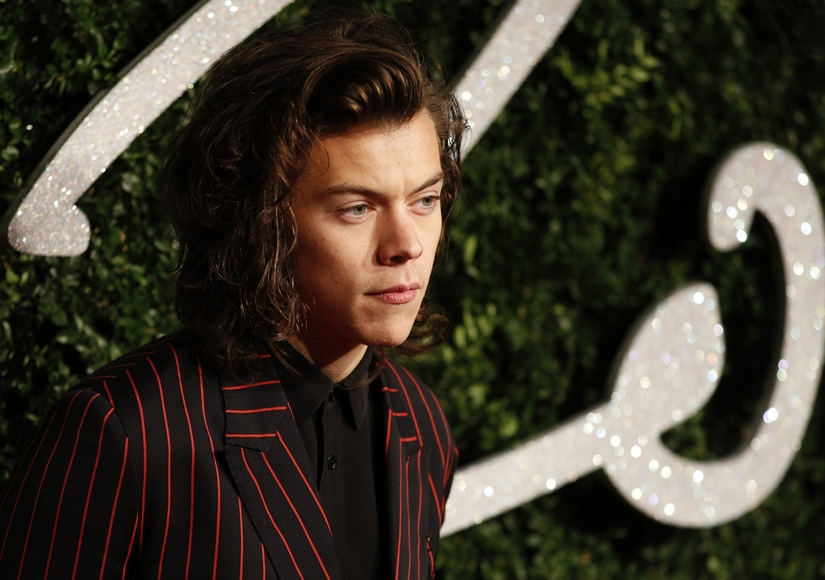 Extra Scoop: Harry Styles Breaks Down Hours After Zayn Malik Quits One Direction
