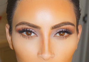 Makeup Lesson! Kim K Shares Contouring Selfie