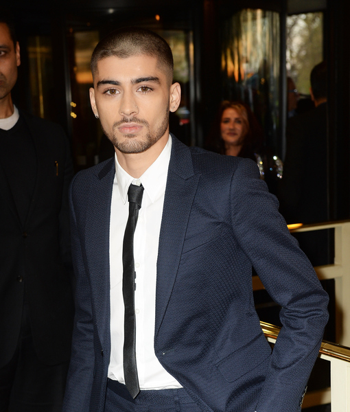 Zayn Malik's First Appearance Since Exiting 1D, Shows Off New Date and Look!