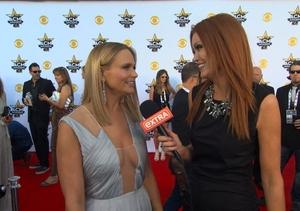 ACM Awards 2015! 'Extra' with Miranda Lambert, Reba McEntire, and Luke Bryan