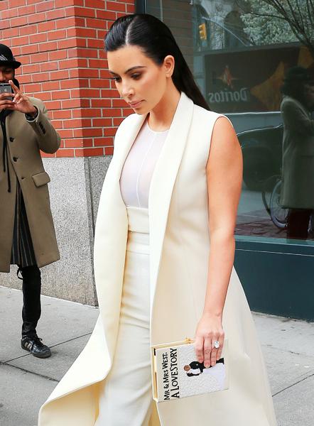 kim-kardashian-clutch-2