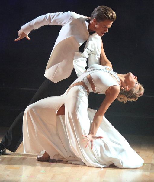 'DWTS'! Did Derek Hough Dance?