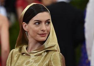 Anne Hathaway's Hoodie Gown Has Everyone Talking