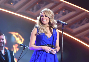 Carrie Underwood Leads 2015 CMT Awards with 5 Nominations!