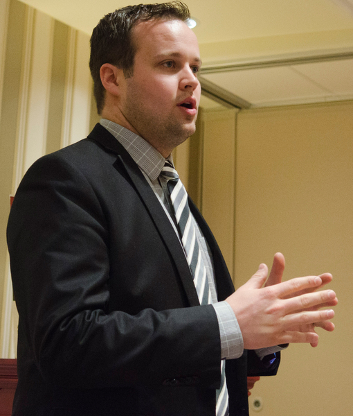 Josh Duggar Seemed Unhappy on Mother Day's Outing with Family — See the Photo