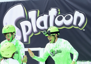 Celebs Celebrate Nintendo's Splatoon Launch by Making a Big Mess!
