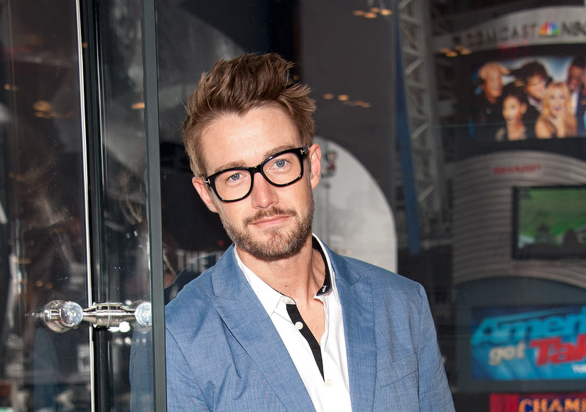 'iZombie' Star Robert Buckley Talks Season Finale, Dream Dates and First Kisses!