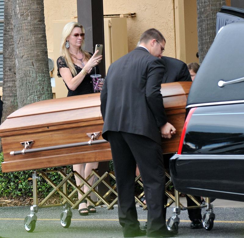queen-of-versailles-coffin
