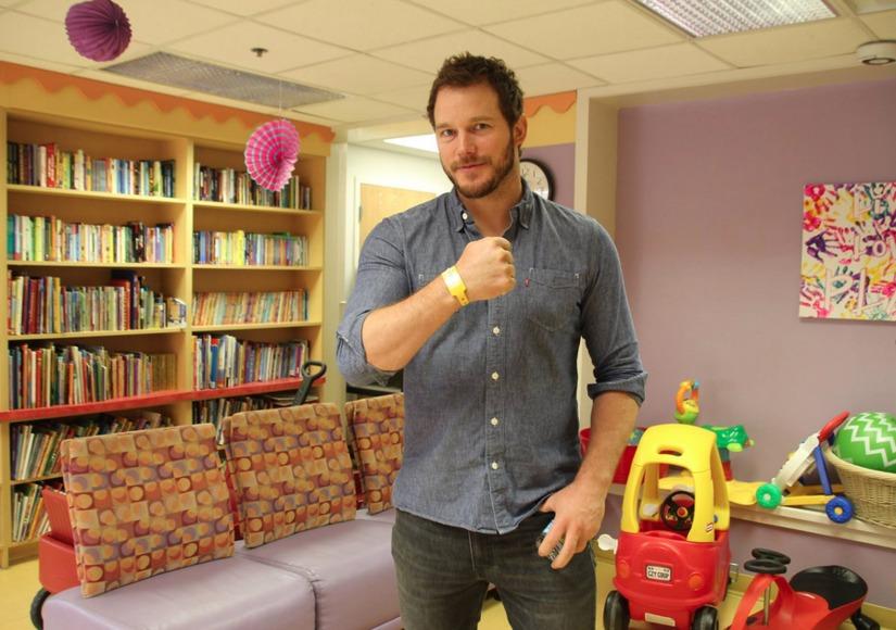 Adorable! Chris Pratt Visits Children's Hospital, Recreates 'Jurassic World' Raptor Scene