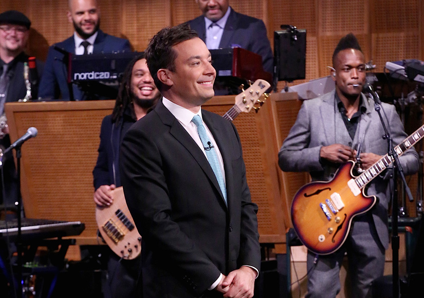 See Jimmy Fallon's Injured Hand (It Looks Rough!)