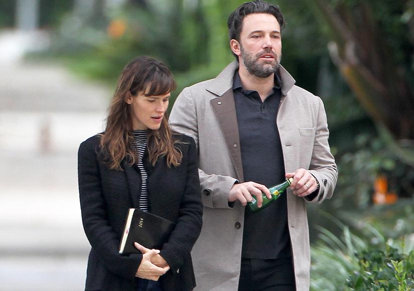 New Divorce Details: Ben Affleck and Jennifer Garner Still Living Together