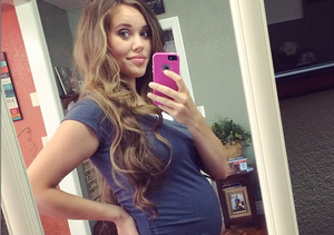 22 Weeks! Jessa Duggar Shares New Baby Bump Pic