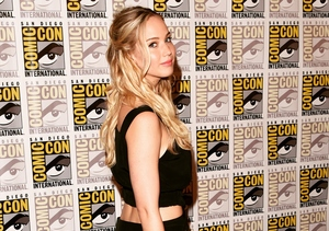 Comic-Con: Jennifer Lawrence Talks 'Mockingjay, Part 2,' Praises Taylor Swift