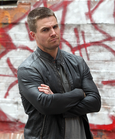 Stephen Amell Confirms New 'Arrow' Title!