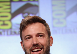 Ben Affleck Still Wearing His Ring at Comic-Con!