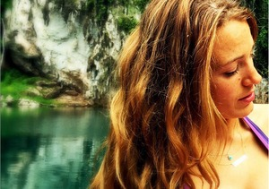 """The PERKS of Breastfeeding"" Blake Lively Shows Off Bikini Body After Baby"