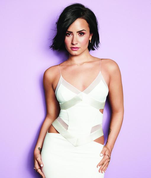 Cosmo September '15 - Demi Lovato - 1