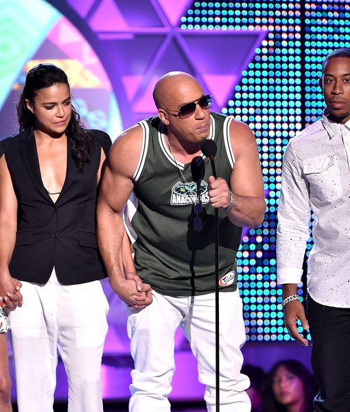 Paul Walker Remembered at Teen Choice, Plus Full List of Winners
