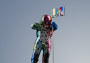 MTV Unveils 2015's VMA Moonman by Designer Jeremy Scott