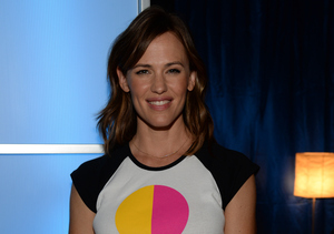 Jennifer Garner Goes Without Wedding Ring at First Public Appearance Since Ben…