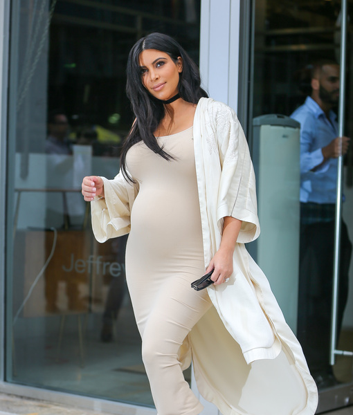 Kim_Kardashian_Kylie_Jenner_Spartanoff_091315_51849305