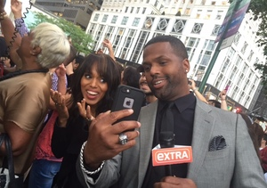 Olivia Pope and the Pope! 'Extra' Was with Kerry Washington in NYC as Pontiff…