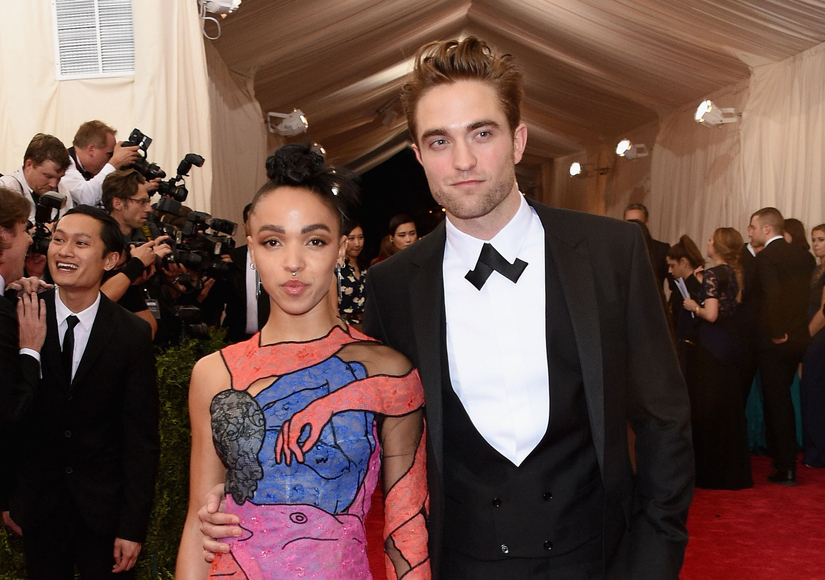 Rumor Bust! Robert Pattinson & FKA twigs Did Not Take Nude Pics in Photo Booth