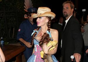 Gwen Stefani & Blake Shelton Spark Dating Rumors on Halloween