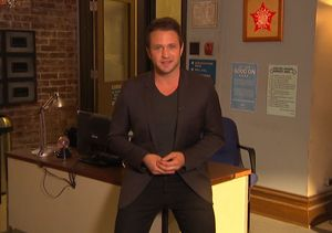 'Extra' Goes to Chicago for Special Set Visits – Watch!