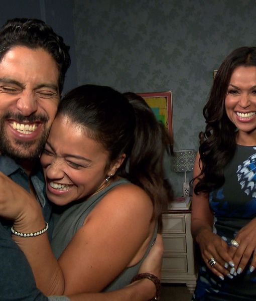 Adam Rodríguez Crashes Gina Rodriguez's 'Extra' Interview on 'Jane the Virgin'…