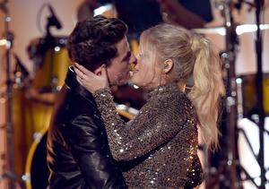 Meghan Trainor & Charlie Puth Kiss on AMAs Stage!