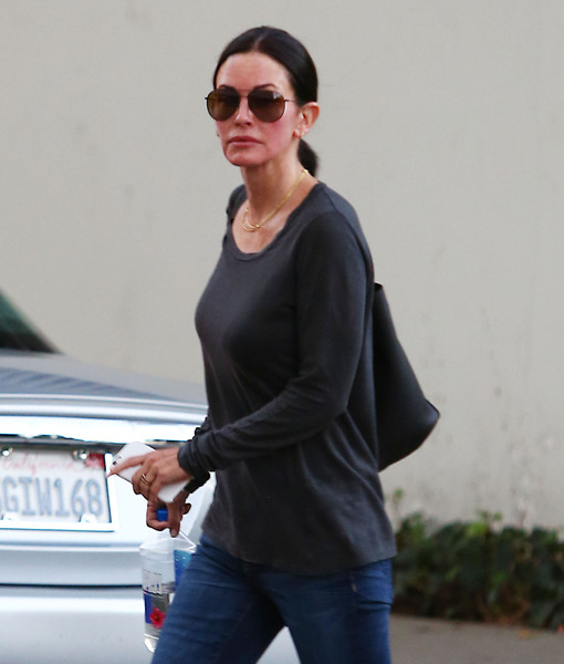 Courteney Cox Goes Without Her Engagement Ring After Johnny McDaid Split