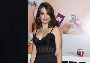 Tina Fey's LBD Sparked the Same Hilarious Reaction from Her Mom & Daughter